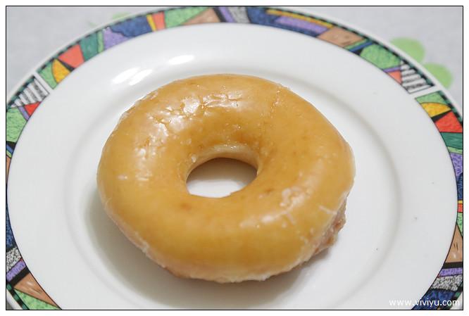 krispy kreme,板橋,板橋火車站,甜甜圈,聖誕樹,薑餅人美食,雪人 @VIVIYU小世界