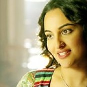 Sonakshi Sinha Look Style In Movie Tevar HD Wallpaper - Stylish HD Wallpapers.
