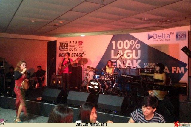 Java Jazz Festival 2015 Day 2 - Jazzy Juice ft Jilly Likumahuwa