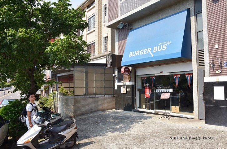 28711076756 1354bdfa76 b - 【熱血採訪】漢堡巴士Burger Bus 台中東區早午餐、咖啡,近旱溪夜市