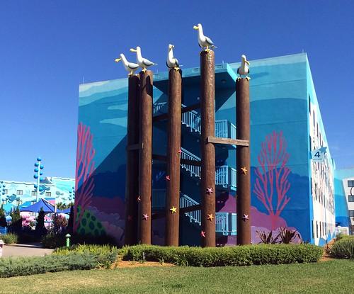 Orlando - Disney World - Disney's Art of Animation Resort - Finding Nemo - Giant Seagulls