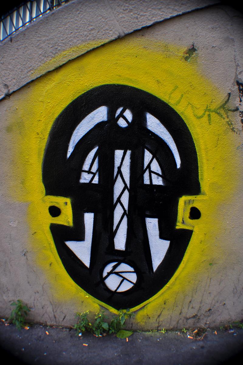 Masque N&B et jaune