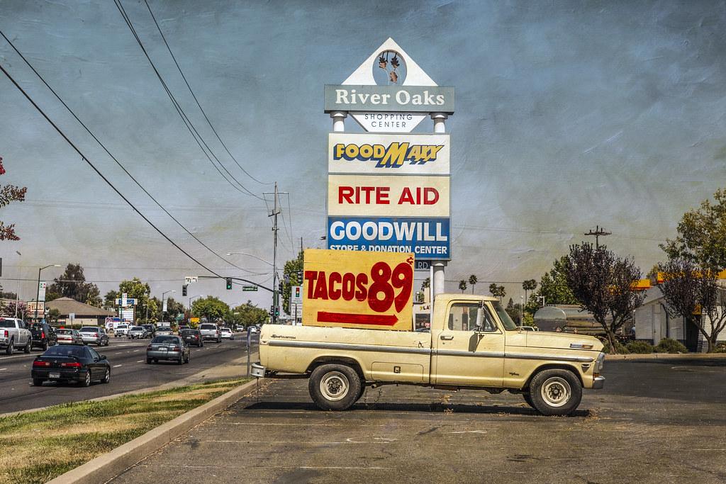 Imagen gratis de una camioneta que anuncia tacos en Estados Unidos