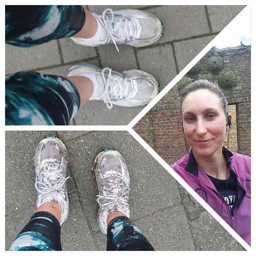 Ik offerde mijn oudste schoenen op en liep eens door de leuke modder paadjes. Tof ... al denk ik dat ik nog harder schrok als de ree waar ik ineens oog mee stond #trail #marathontraining #ParisMarathon