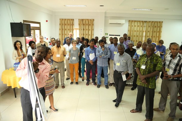 Participants take part in a bus stop discussion (Photo credit: IITA/Jonathan Odhong')