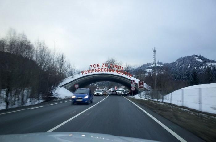 不小心開到奧地利