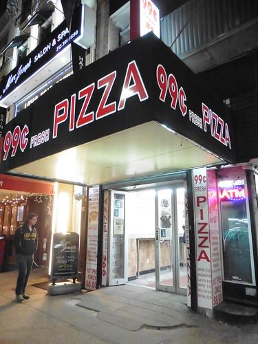 Dónde comer y gastronomía en Nueva York: Pizza en 99 Cent Pizza.