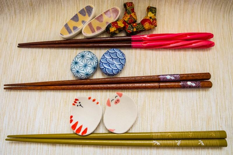 Regalos y souvenirs de Japón: palillos y reposapalillos