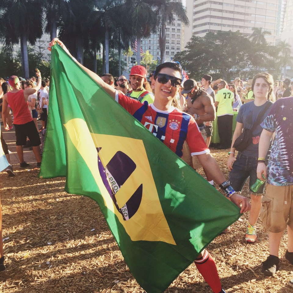 Brazil flag held by Bryanboy at Ultra Miami 2015