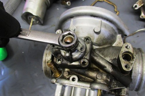 Remove Choke Lever Retaining Nut