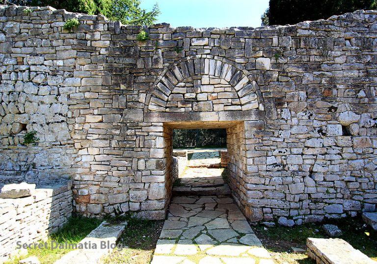 The gates of castrum