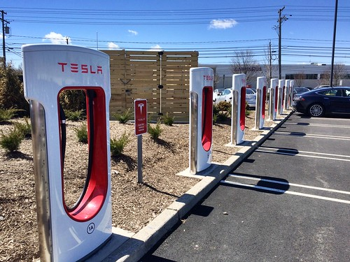 TESLA MORTORS CHARGING STATION