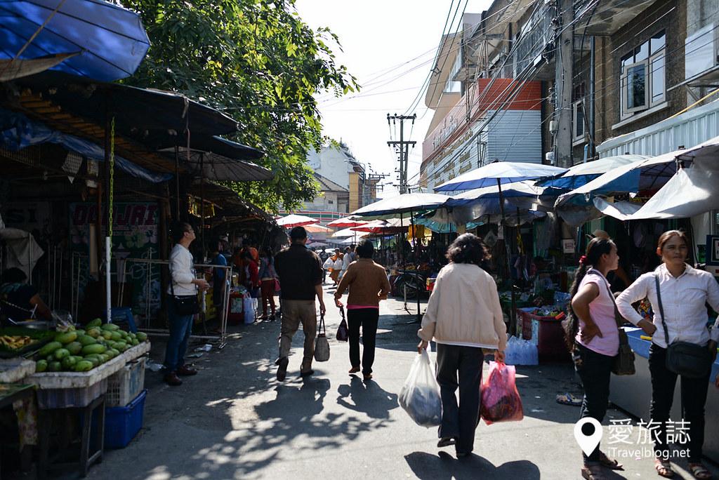 清迈市集 瓦洛洛市场 Waroros Market 00