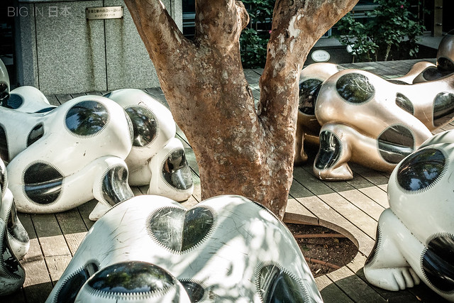 Strange statues @ NTV Building, Tokyo