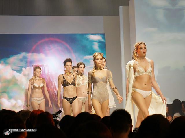 Triumph Fashion 2