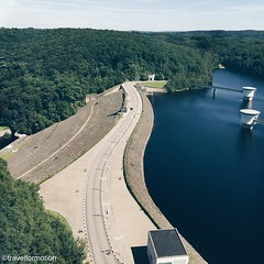 Stop the #water #dam #wallonie #belgium #belgium_unite #igbelgium #walkway #landscape #nature #vsco #vscocam #travel #travelgram #wanderlust #gileppe