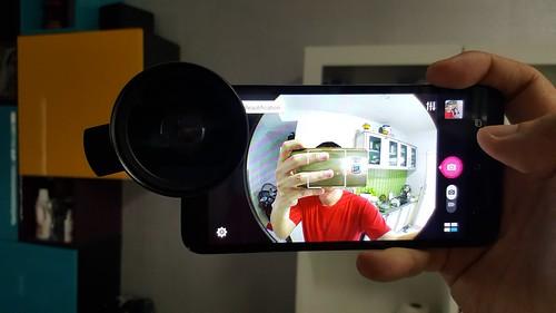เอาเลนส์คลิป LIEQI ไปใช้กับกล้องหน้าบางยี่ห้อแล้ว เห็นขอบดำชัดเจนเลย