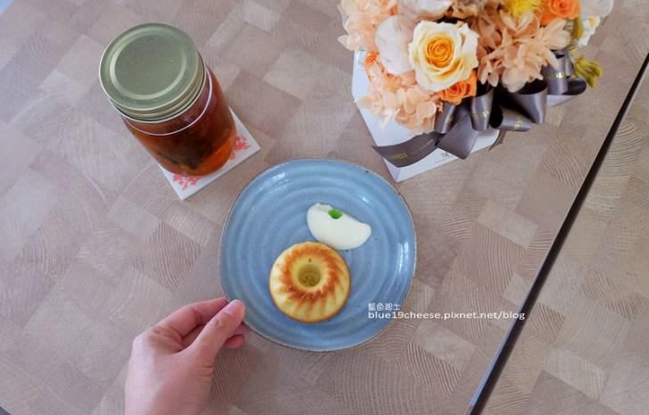 28840661836 ee52c05bdf c - NowPlace現在-早午餐甜點義大利麵茶品.簡單有型裝潢.富士山磅蛋糕不錯.東萫來泰緬料理對面.逢甲商圈