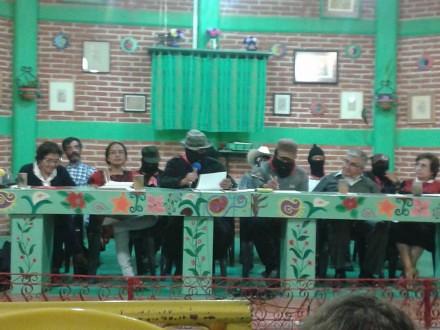 """""""Voten por el color que voten, esto se va a poner peor"""": EZLN"""