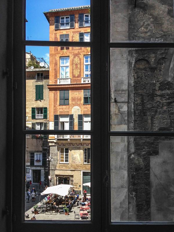 Piazza delle vigne da una finestra di palazzo Grillo