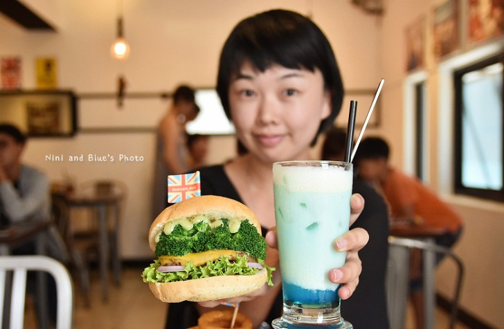 28127623573 db50044e73 b - 【熱血採訪】漢堡巴士Burger Bus 台中東區早午餐、咖啡,近旱溪夜市