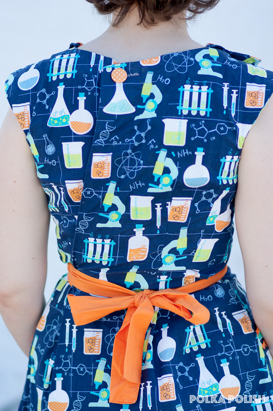 Button and tie back closure on Advance 7757, a retro Swirl dress knock-off pattern