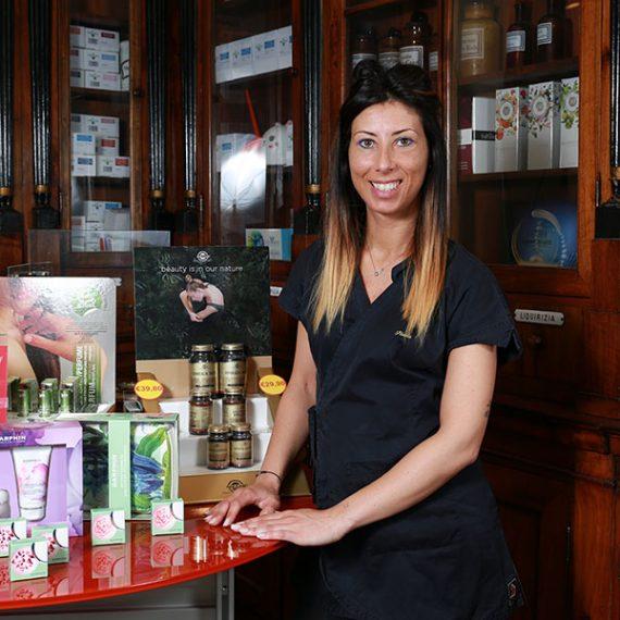 Stefania Sabetta, Estetista Farmacia Fanchiotti Vale Giulio Cesare Novara