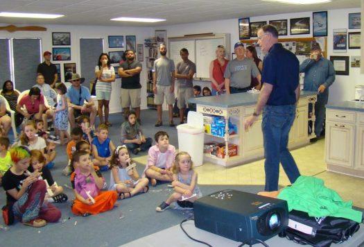 Ground school being taught by EAA volunteer