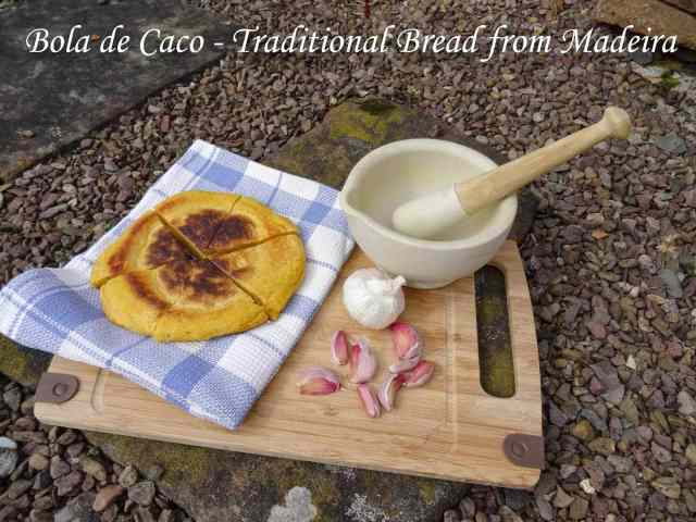 Bola de Caco - traditional bread of Madeira