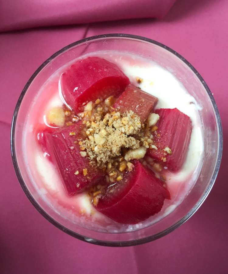 Rhubarb Cranachan Dessert - perfect for Spring