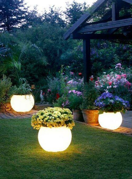 Easy Homemade Glowing Garden Planters