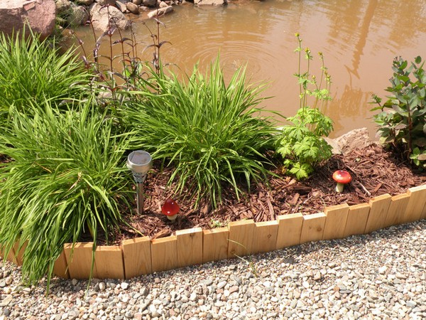 DIY Lawn Edging Ideas For Beautiful Landscaping: Cheap Wood Garden Edging Ideas