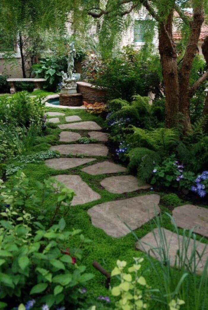 Make your Garden Dreamlike with these Stepping Stones