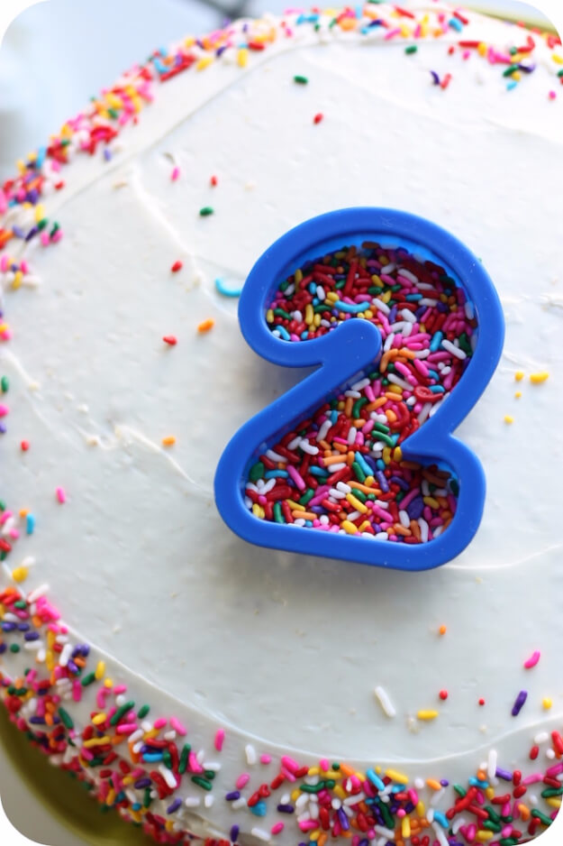 Decorate A Birthday Cake Using Cookie Cutter