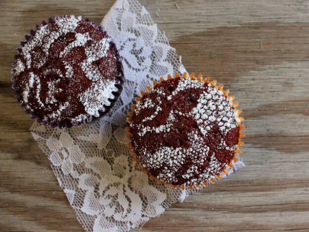 Lace Stenciled Cupcakes