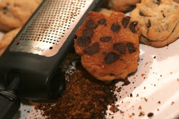 Use Cheese Grater To Salvage Burnt Cookies
