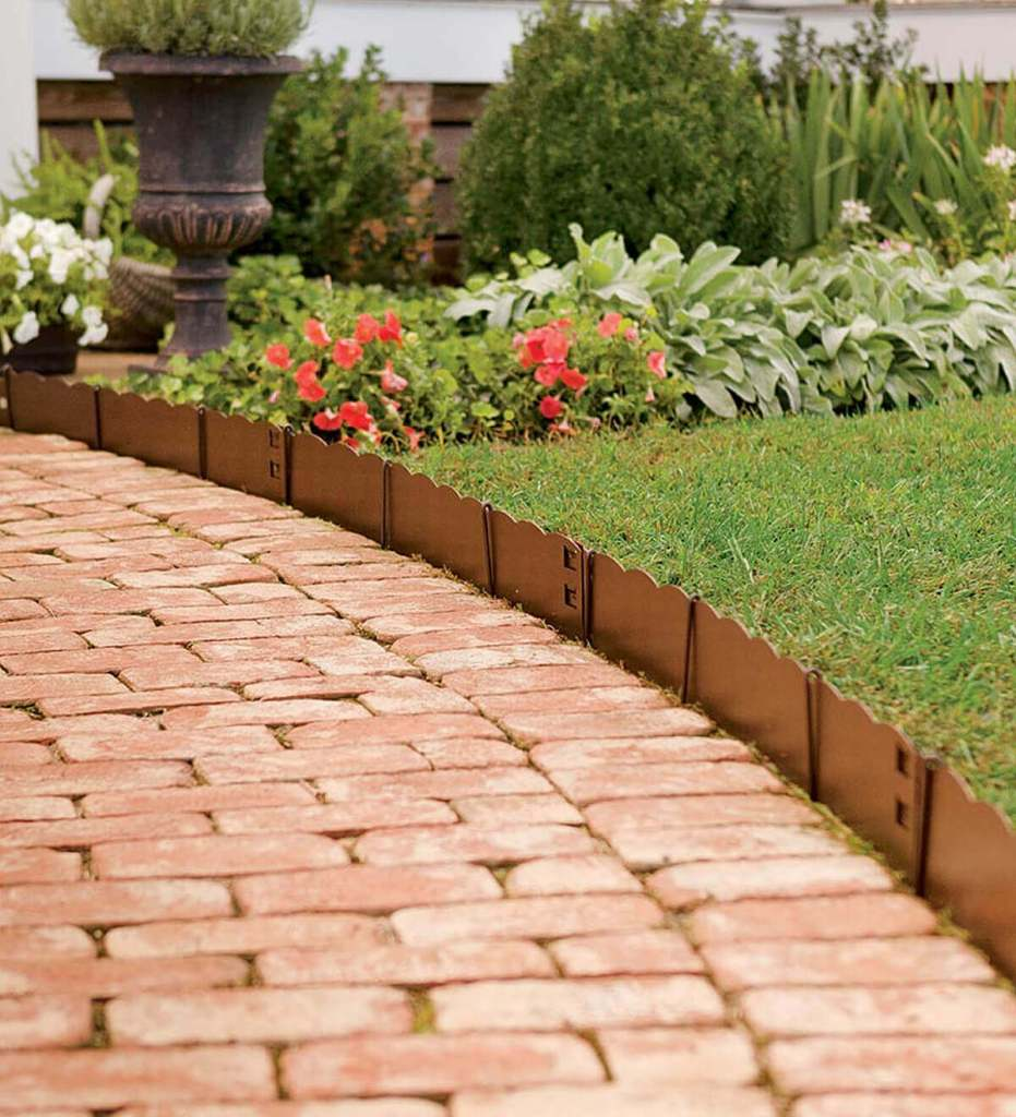 DIY Lawn Edging Ideas For Beautiful Landscaping: Short Scalloped Copper Edge Along Brick Path