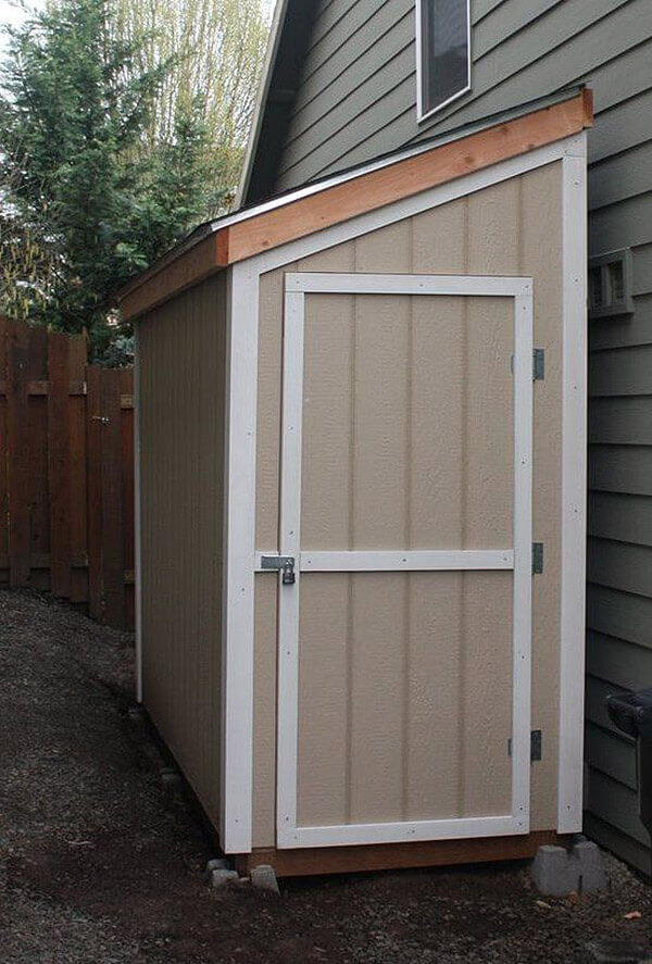 Simple Half-Sized Storage Shed for Your Yard