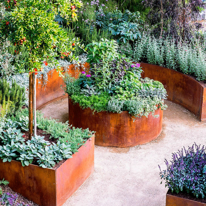 DIY Lawn Edging Ideas For Beautiful Landscaping: Bronze Raised Garden Edges with Patina Effect
