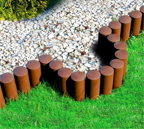 DIY Lawn Edging Ideas For Beautiful Landscaping: Palisade garden edging ideas