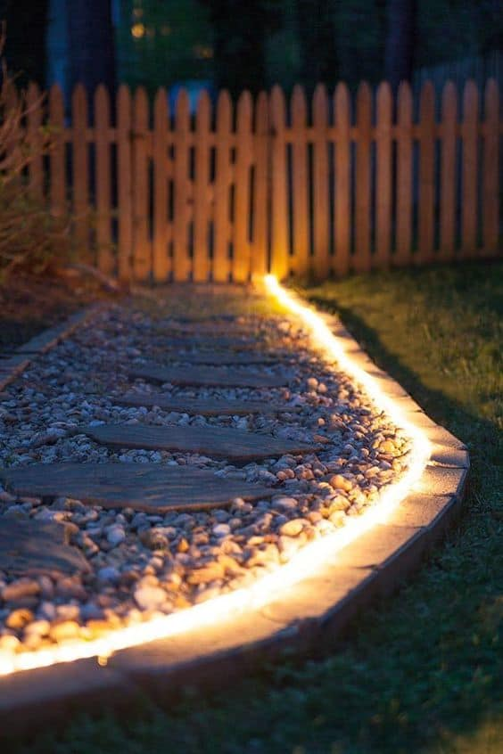 DIY Lawn Edging Ideas For Beautiful Landscaping: Rope Lighting Garden Edging Ideas