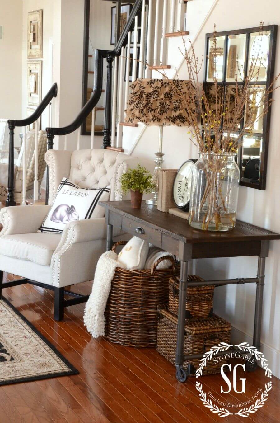 25+ Rustic Entryway Decorating Ideas That Everyone Will Love