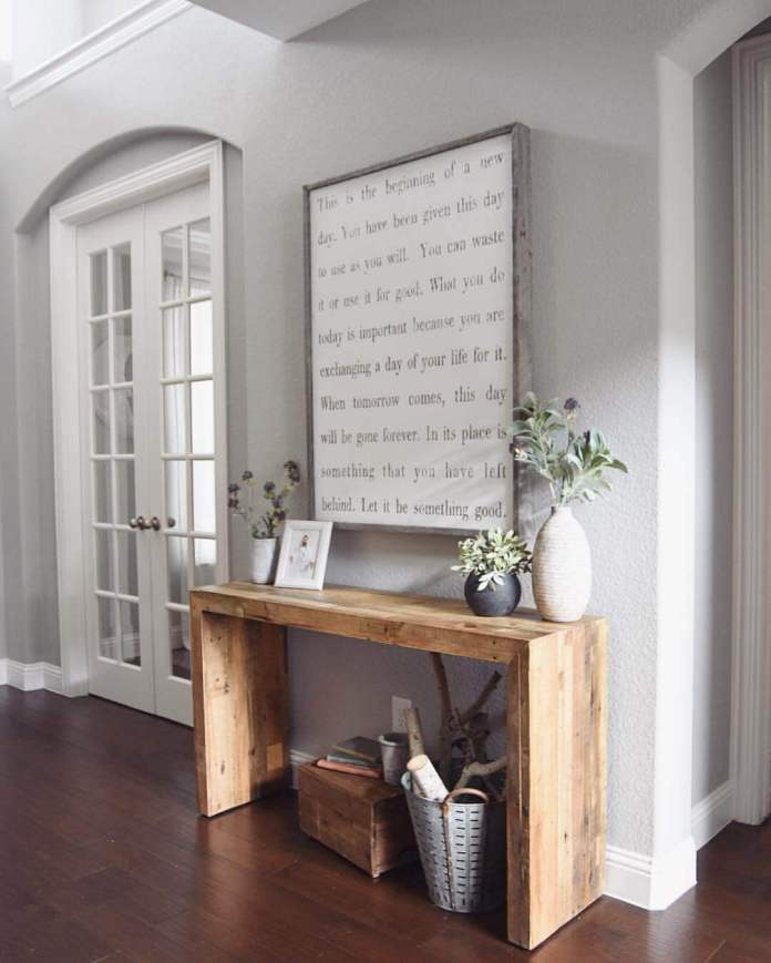 Mod Wood Accent Table with Oversized Quote