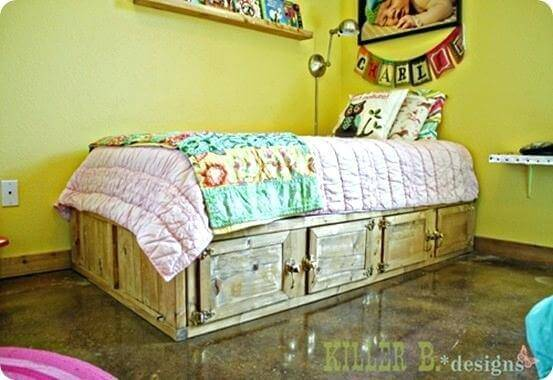 Rustic Storage Bed With Drawers