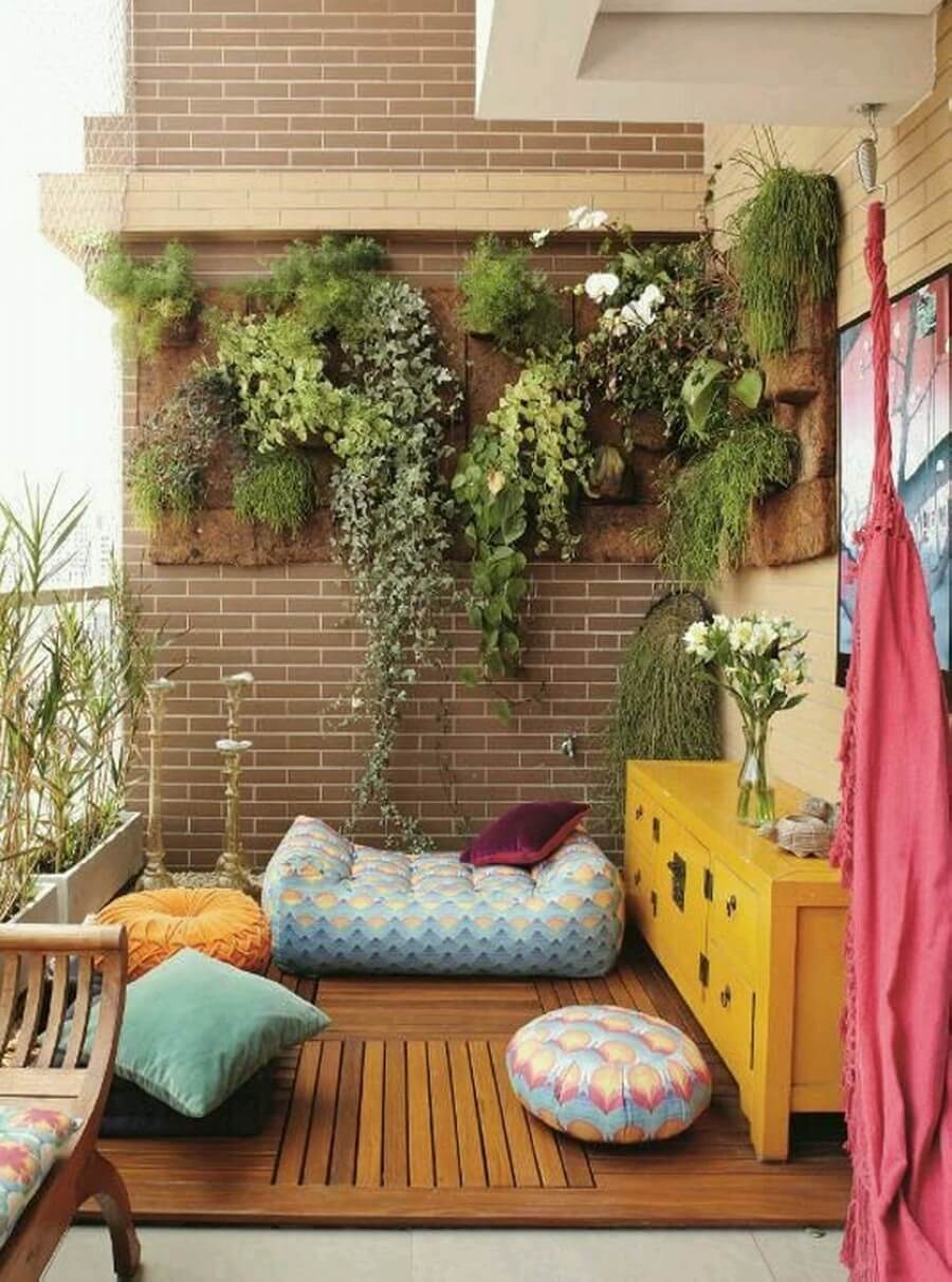 Accent a Cozy Bohemian Reading Nook Using Vertical Garden Decor