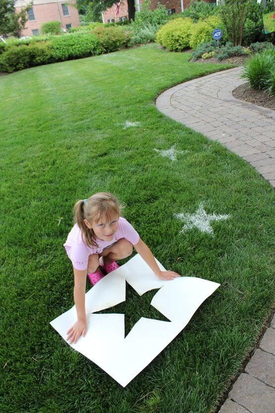 Make Lawn Stars with Flour or Spray Paint