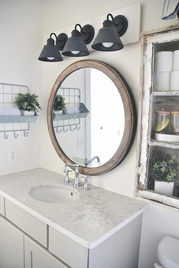 DIY Farmhouse Vanity Light Fixture