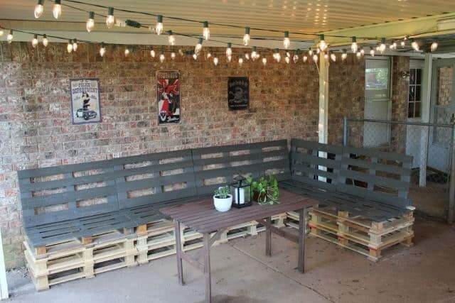 Booth-style Pallet Benches
