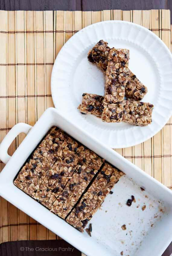 Clean Eating No Bake Oatmeal Granola Bars Recipe