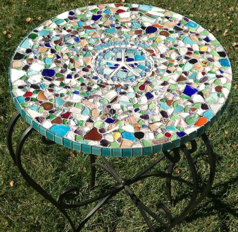 DIY Mosaic and Metal Outdoor Table
